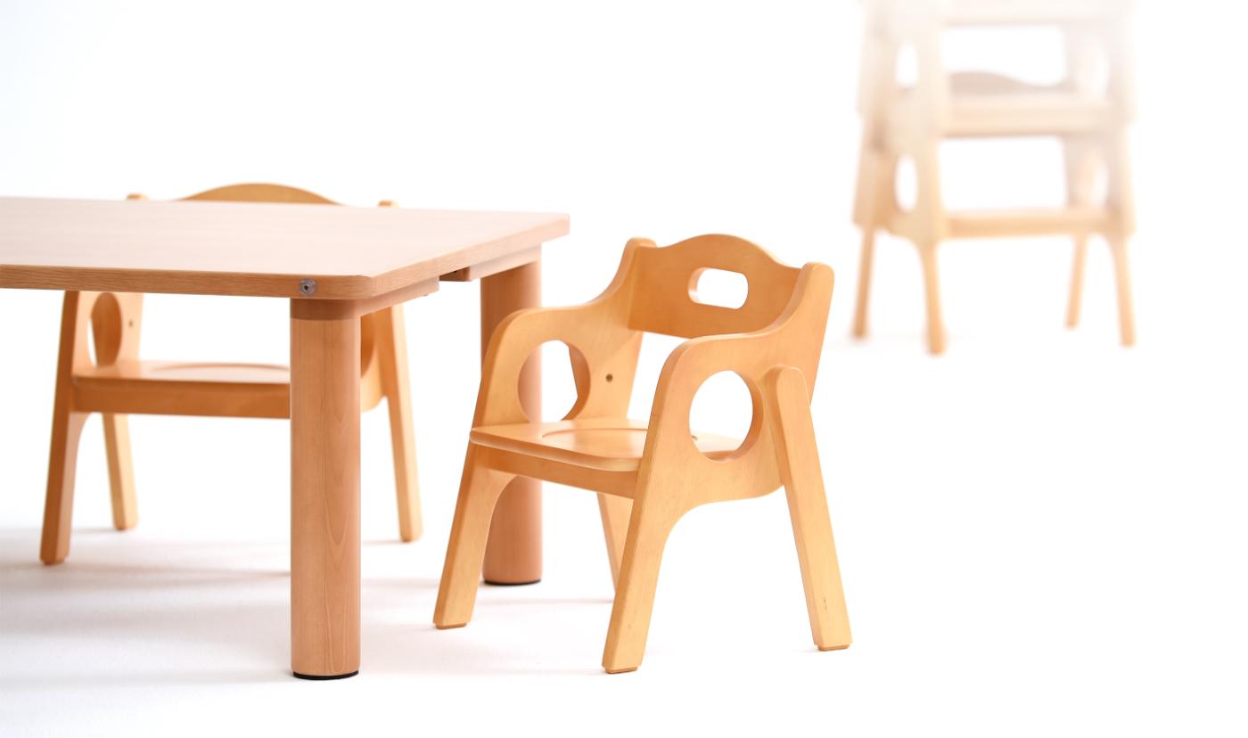 成長のための 幼児 椅子